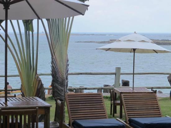 Villa dos Corais Pousada: Vista para a praia