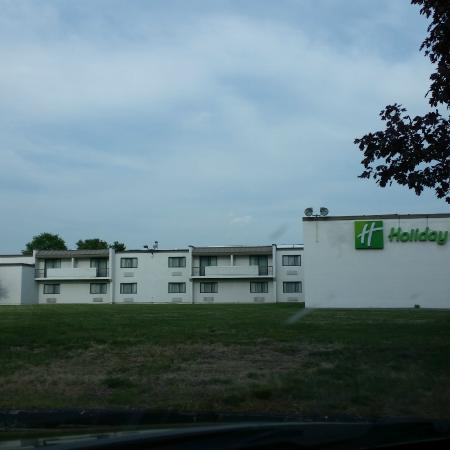 Holiday Inn Mansfield-Foxboro Area : Back view of the hotel