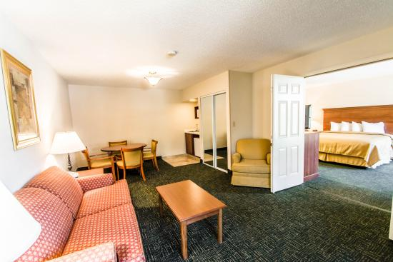 Quality Inn Ocala: King Suite