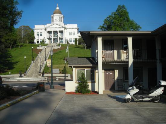 Blue Ridge Inn: The Inn sits below City Hall.