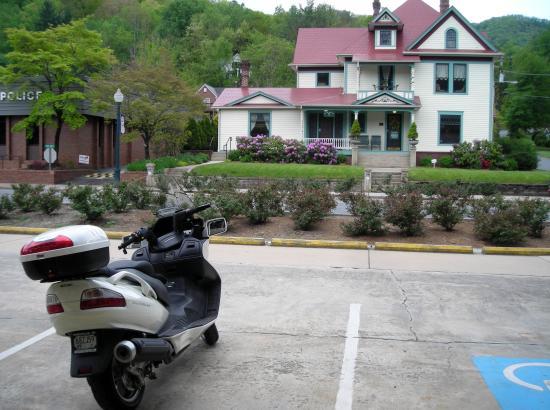 Blue Ridge Inn: Historic home of the Chamber, across the street.