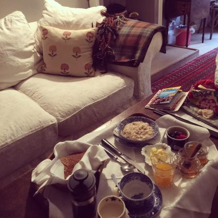 The Guest Room : Breakfast