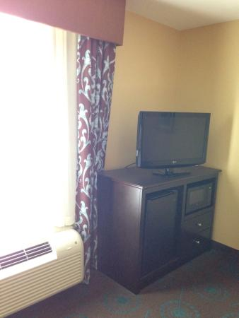 Hampton Inn Iowa City/University Area : Some room furnishings