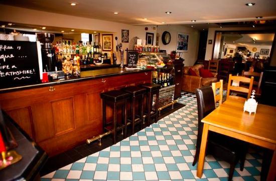 Little Venice Bar & Restaurant