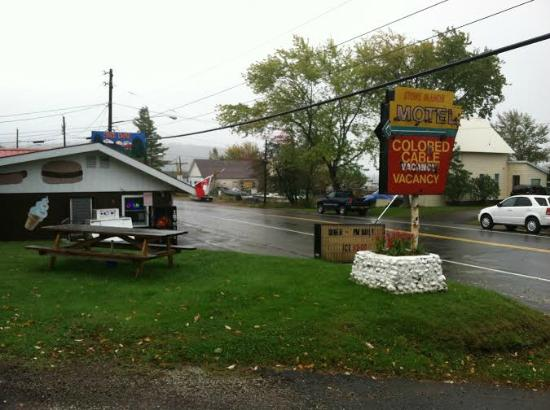 Stone Manor: The Motel's sign and the ice cream stand/diner