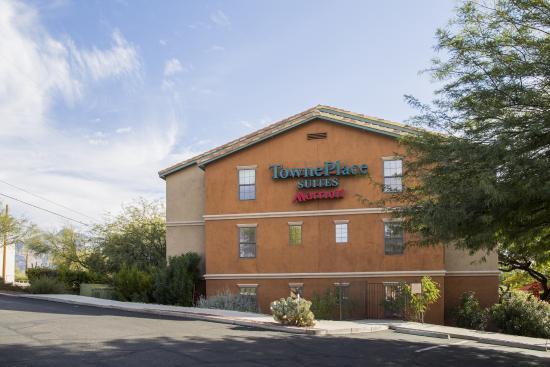 TownePlace Suites Tucson: Hotel Exterior
