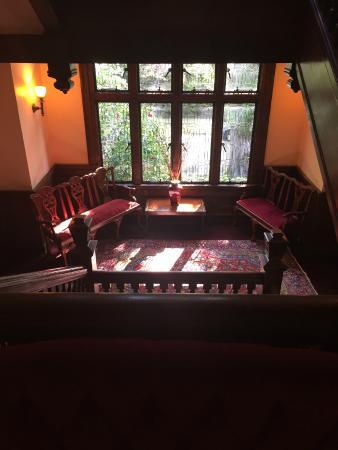 Shafer Baillie Mansion: First floor landing