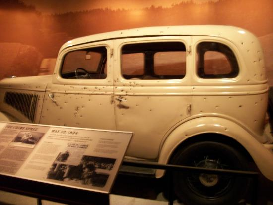 bonnie and clyde car picture of national museum of crime. Black Bedroom Furniture Sets. Home Design Ideas
