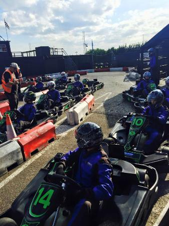 Brentwood Karting: Girls at work on the track