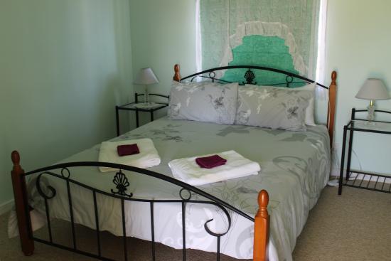 DixiGlen Farm: Bedroom