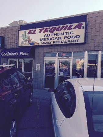 El Tequila: Sign facing parking lot