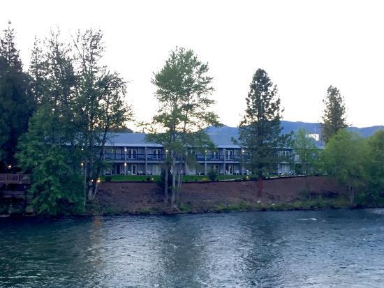 Edgewater Inn : view of hotel