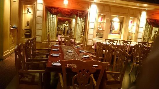 The Mandarin : Inside the restaurant!