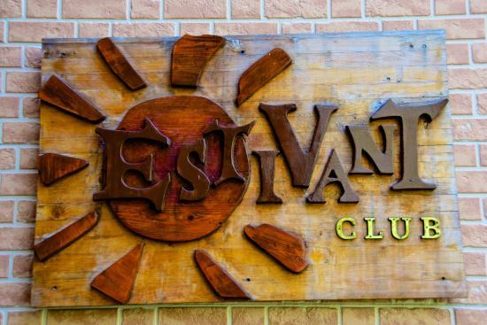 Estivant Club
