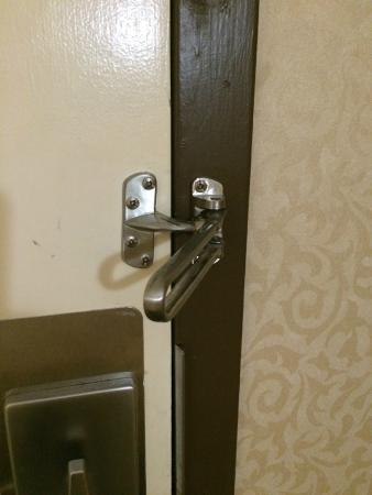 Holiday Inn Dallas Market Center: Safety lock didn't work.  Maid just walked in