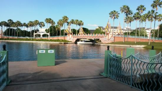 show topic disney with free dining swan dolphin orlando florida