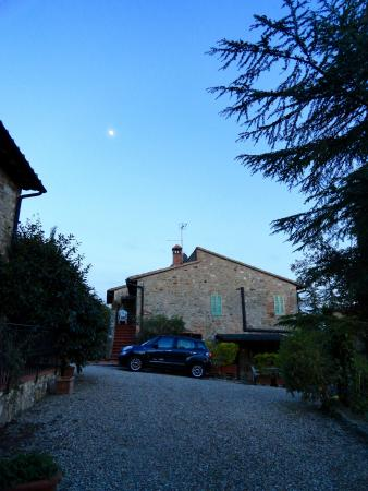 Il Colombaio di Mariva Benucci: Twilight, moon in the sky and our place