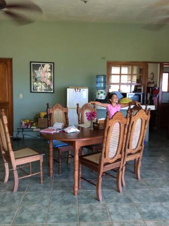 Las Palmas B&B: Breakfast table