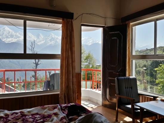 Munsiyari, India: Room - view with Pancchuli mountain range