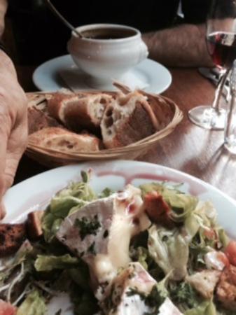 Les Mauvais Garcons: soup and salad