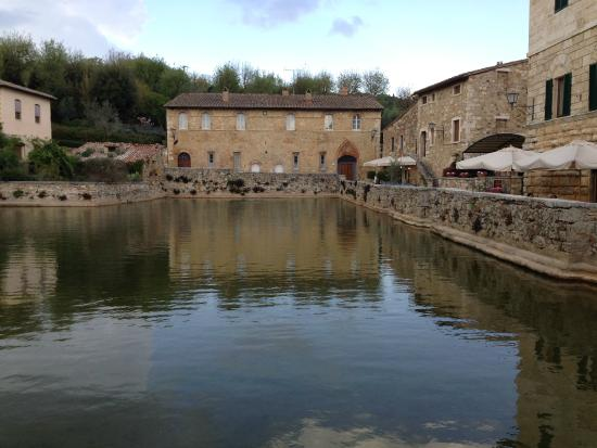 Bagno vignoni san quirico d 39 orcia picture of terme bagno - Bagno vignoni terme ...