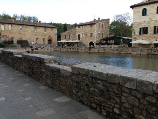 Il loggiato foto di terme bagno vignoni san quirico d 39 orcia tripadvisor - Il loggiato bagno vignoni ...