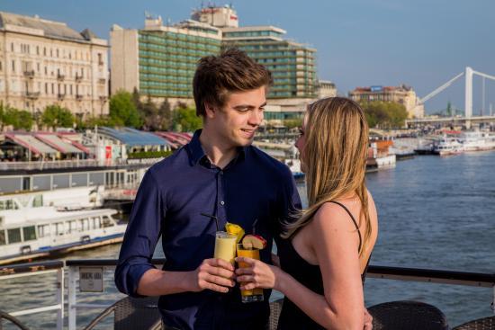 online dating Ουγγαρία καλύτερο διαδικτυακό site γνωριμιών Νιγηρίας
