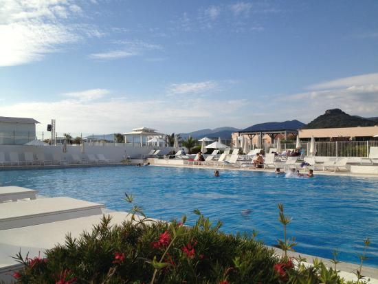 Criques photo de club marmara grand bleu calcatoggio for Club piscine shawinigan sud