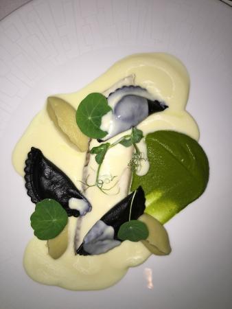 La Mer -  L'Aperitif: scallop appetizer