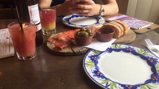 La Tasca - Edinburgh: Great food and cocktails!