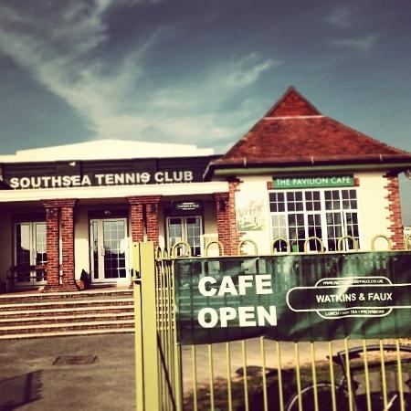 Watkins & Faux: Tennis pavilion