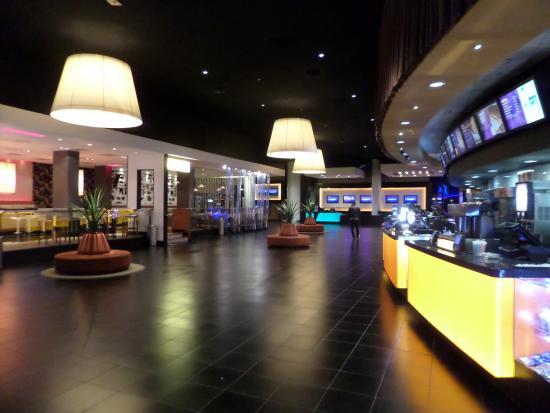 Foyer Des Arts Lux : Cinema de lux picture of showcase bristol