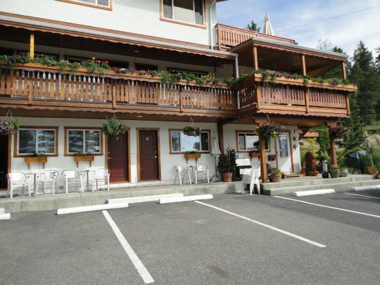 Gateway Motel: Front of hotel