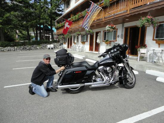 Gateway Motel: securing bike for take off.