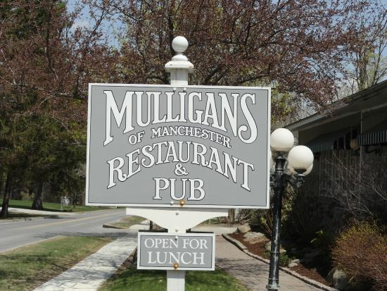 Mulligan's: Sign outside