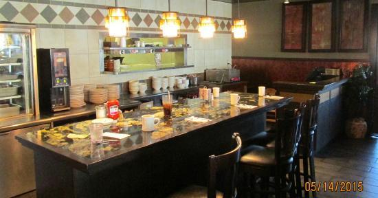 Hillview Restaurant: Counter