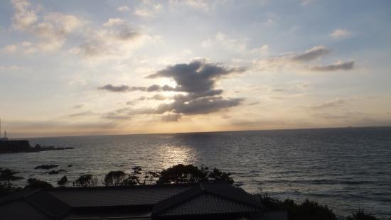 Umi to Mori : この夕陽を見ながらの入浴は最高です