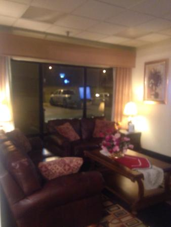 Baymont Inn and Suites Crossville : Very well maintained Hotel