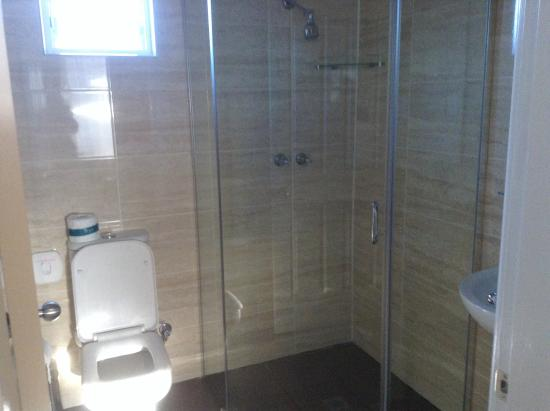 Amaroo Motel : Bathroom