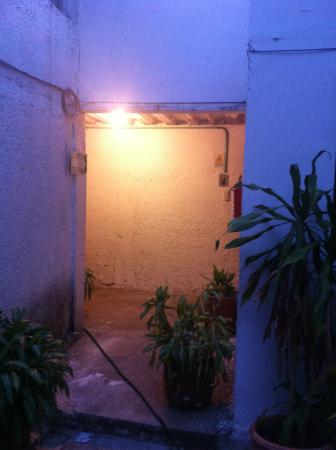 Haina Hostal: Into the backgarden
