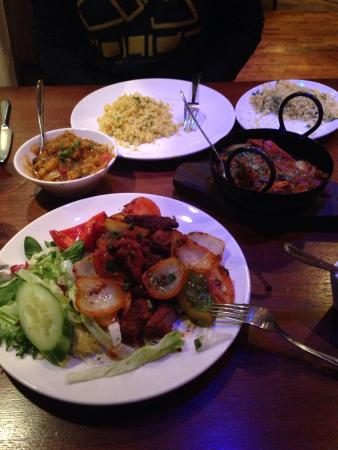 Majliss: Most delicious Indian food I've had!! Baby tandoori lamb chops are a must have !!
