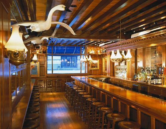 Old Ebbitt Grill: Corner Bar