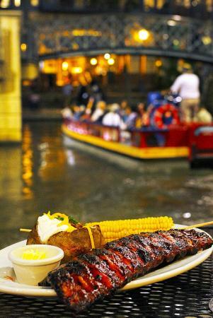 San Antonio Dinner Cruises