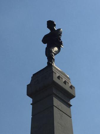 Oak Woods Cemetery: CSA POW mourning