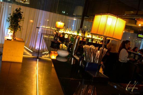 T4 Restaurante & Bar