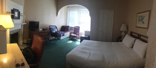 Windsor Inn: Decent room