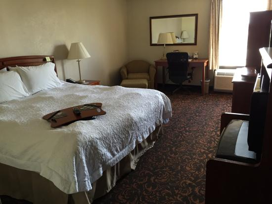 Hampton Inn Woodbridge: bedroom