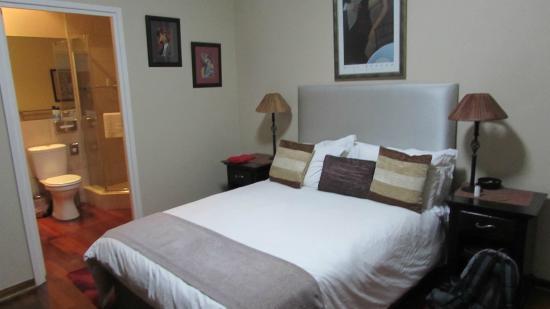 Westville Bed & Breakfast: our room