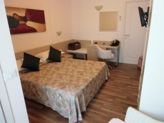 Camera da letto - Bild von Hotel Victoria, Bibione - TripAdvisor