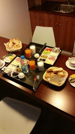 The Pendik Residence: Turkish Breakfast served into the room